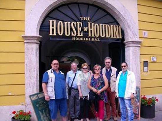 HOUSE OF HOUDINI WIENER ZAUBERKLUB